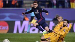 Antoine Griezmann Gerard Pique Atletico Madrid Barcelona 130416