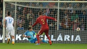 Casillas Hamsik Pique Slovakia Spain EURO 2016 Qualifier