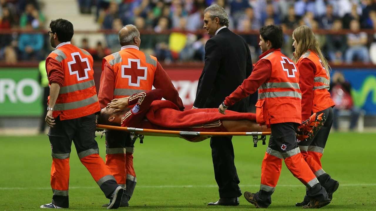 Alvaro Morata injured Spain Luxembourg 09102015