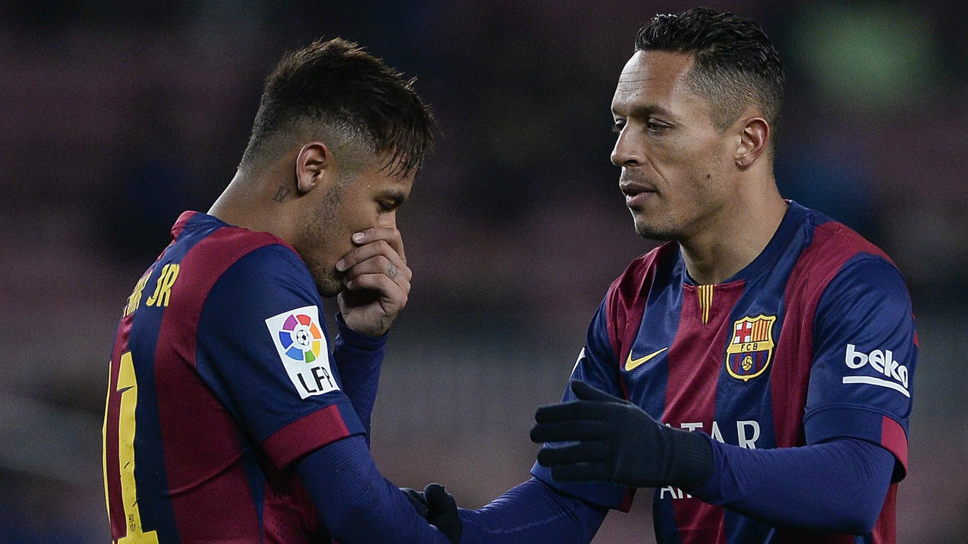 Neymar Adriano Barcelona Elche Copa del Rey