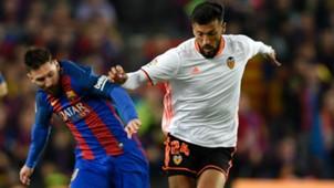 Lionel Messi Ezequiel Garay Barcelona Valencia La Liga