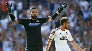 Miguel Angel Moya Paco Alcacer Valencia Atletico Madrid La Liga