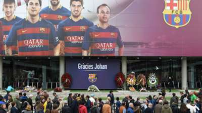 Johan Cruyff fans at Camp Nou