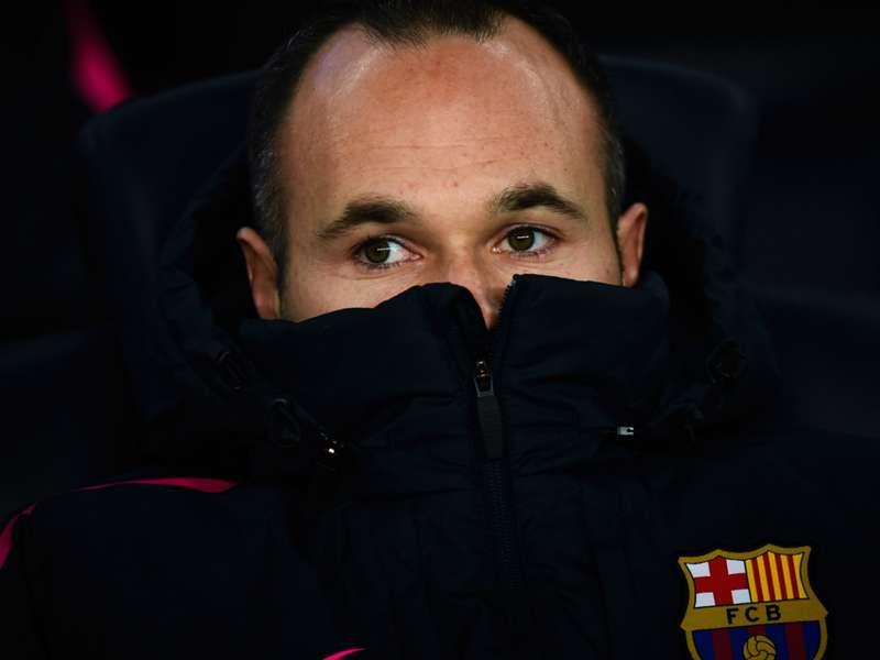 Gripe afasta Iniesta do confronto do Barcelona contra o Levante