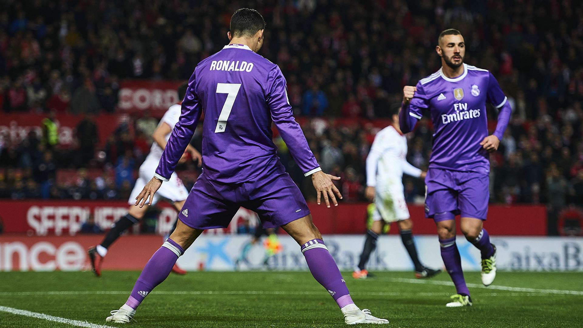 Cristiano Ronaldo Karim Benzema Sevilla Real Madrid La Liga 15012017