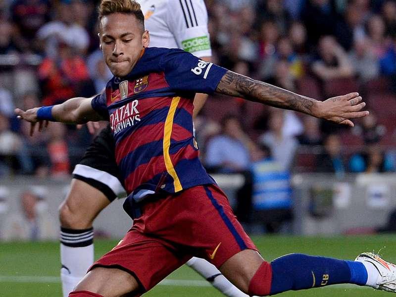 """Stoichkov defende Neymar e Daniel Alves: """"Criticar agora é fácil"""""""