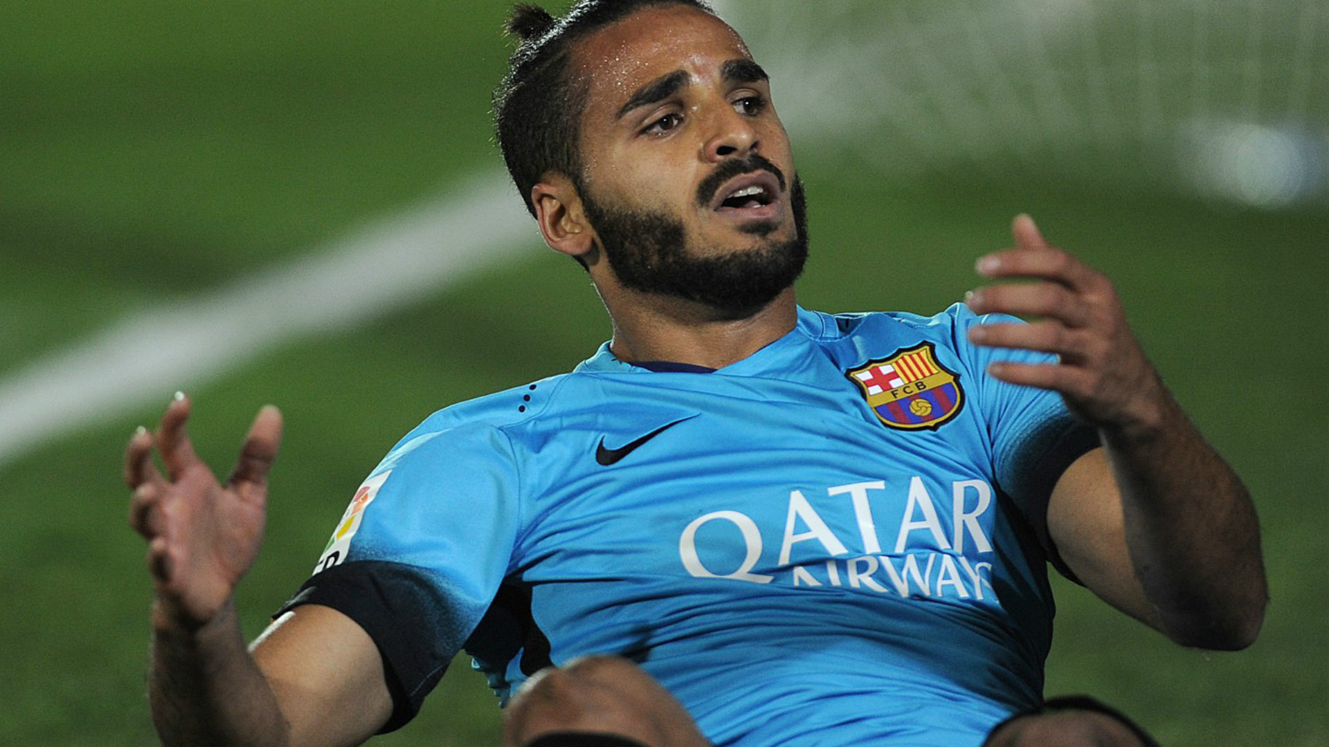 Barca send Douglas to Benfica on loan