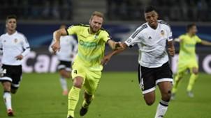 Aderlan Santos Laurent Depoitre Gent Valencia UEFA Champions League 11042015