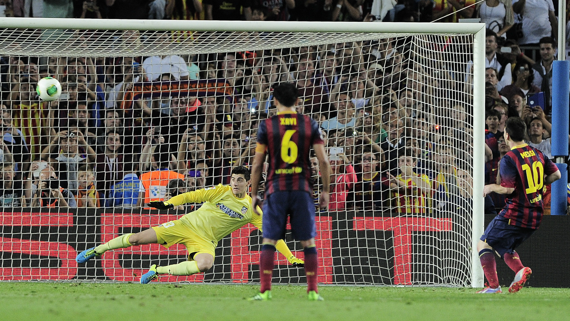 Lionel Messi Xavi Courtois Barcelona Atletico Madrid 280813