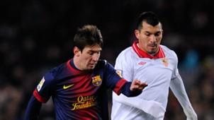 Gary Medel Messi Sevilla Barcelona
