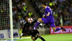 Cristiano Ronaldo Antonio Adan Betis Real Madrid La Liga