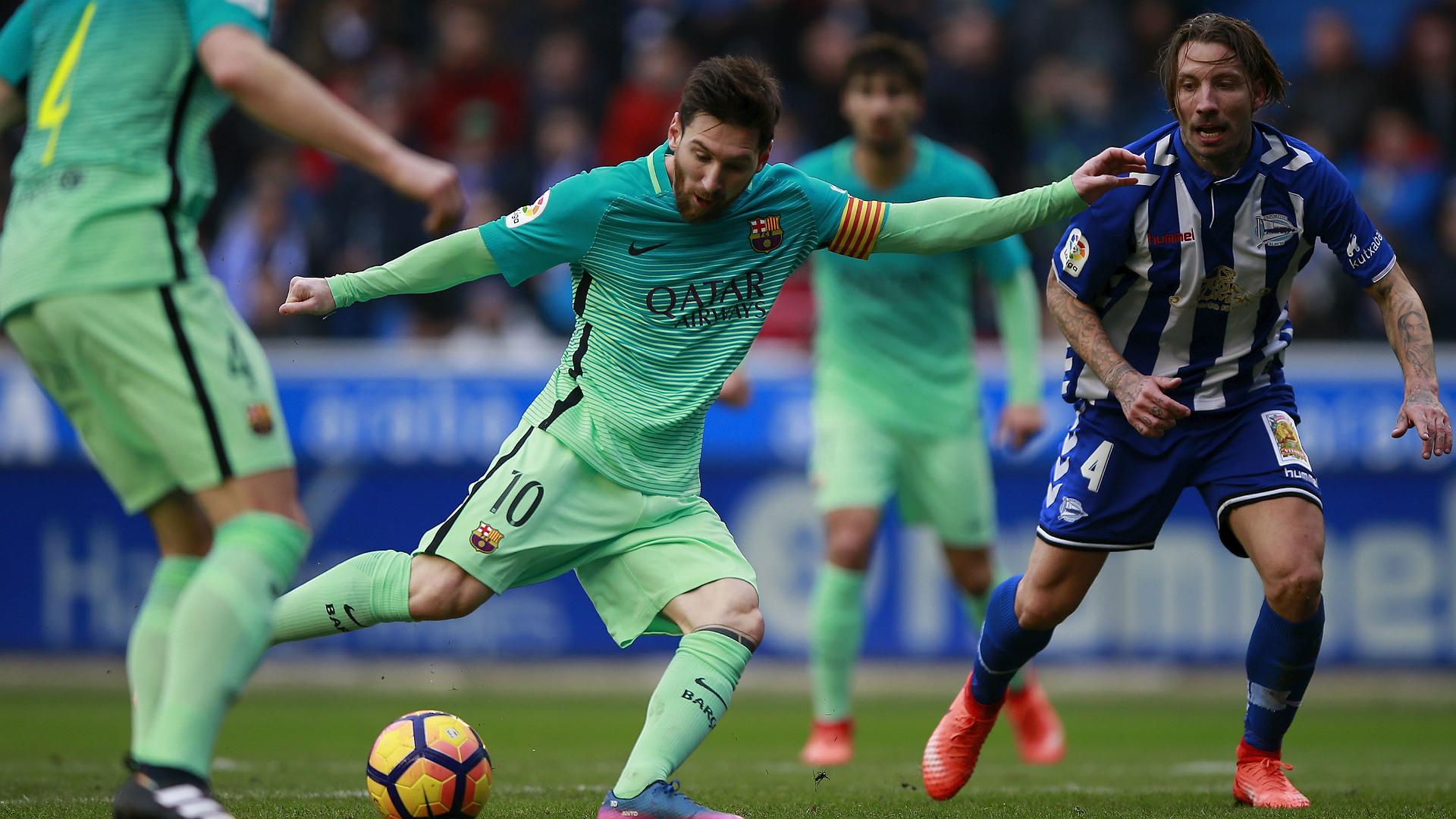 Lionel Messi Alexis Ruano Alaves Barcelona LaLiga 11020217