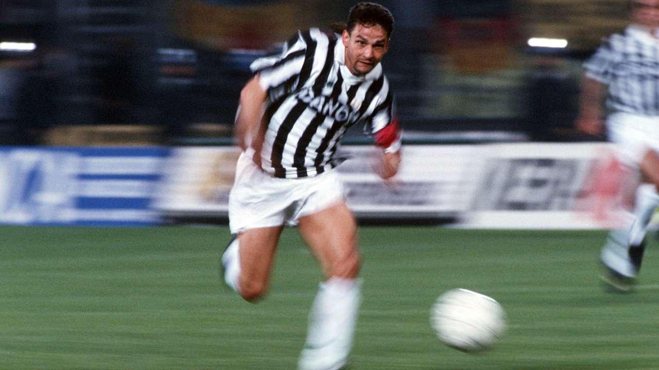 Buon compleanno Roby: i 50 anni di Baggio in 50 scatti