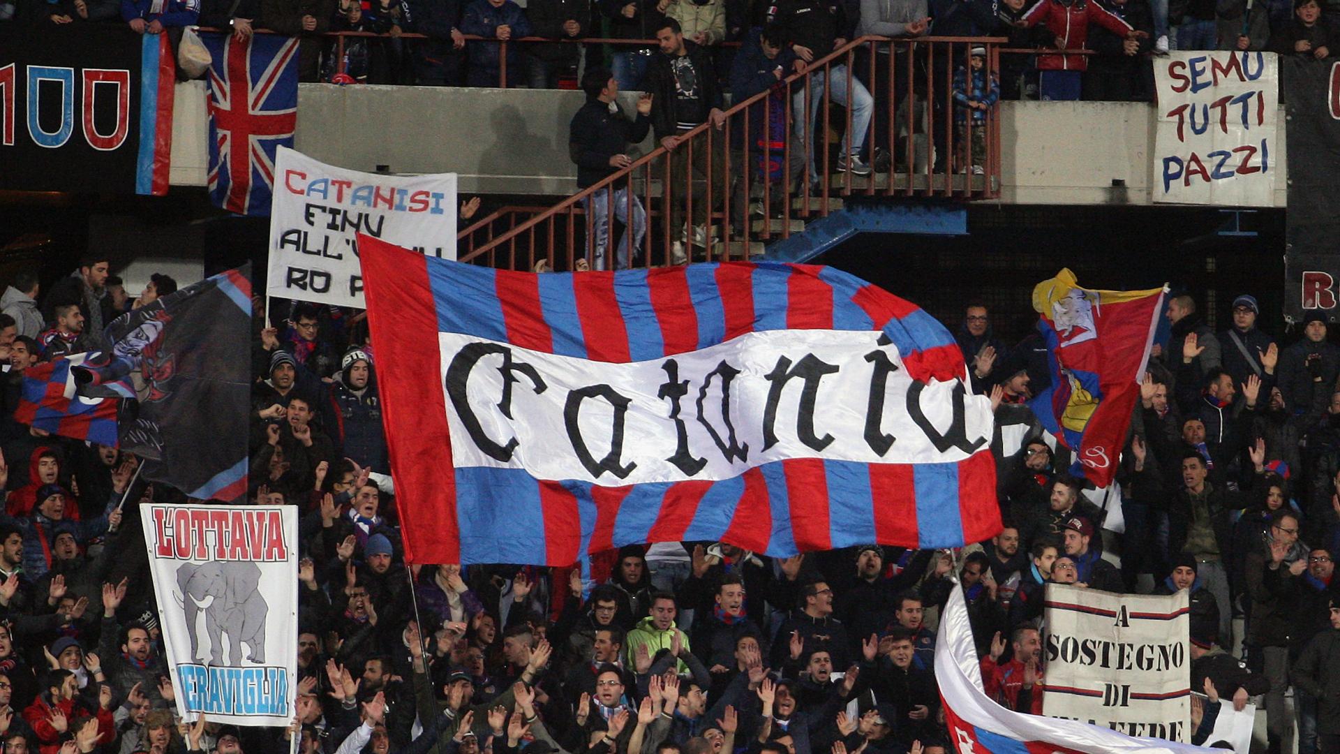 Imboscata degli ultras del Palermo: attaccati i rivali del Catania