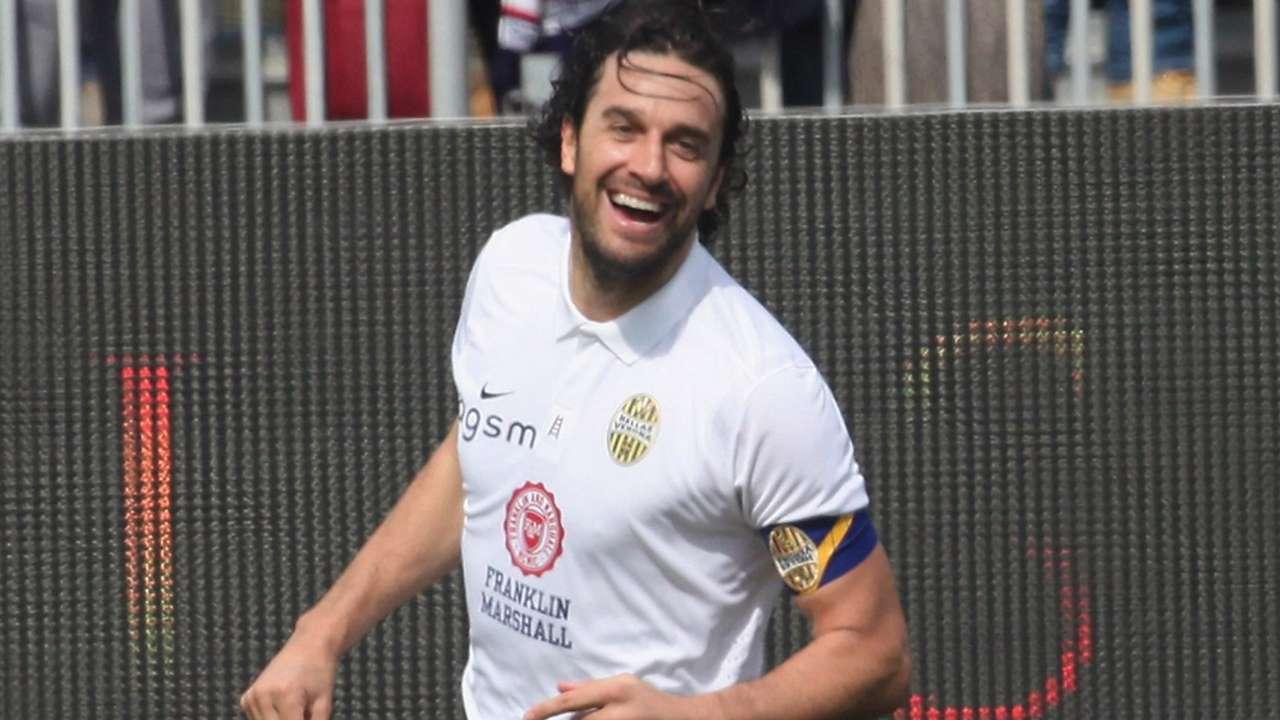 Luca Toni Cagliari Verona Serie A