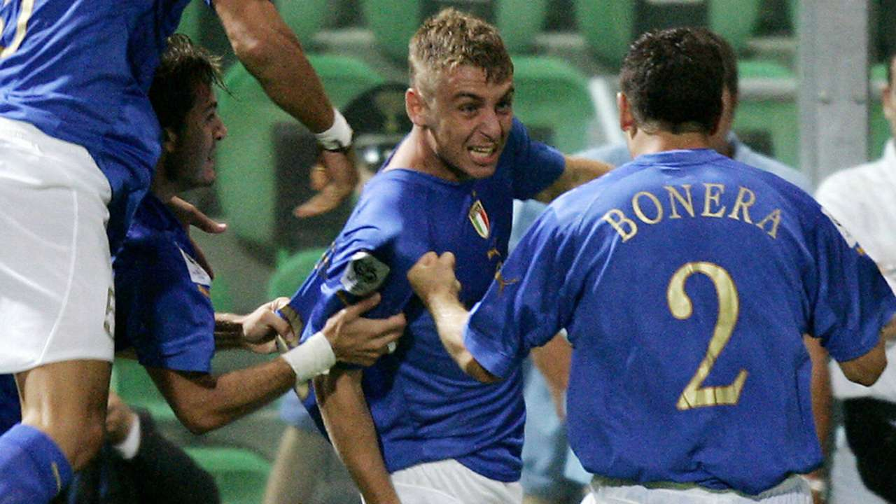 Image result for de rossi 2004 italy