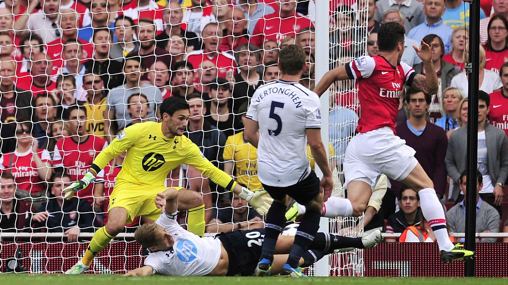Arsenal-Tottenham Giroud 2014