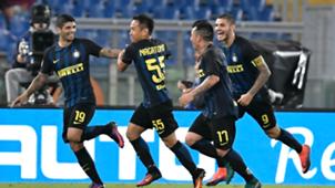 Ever Banega  celebrates his scoring with teammates Roma Inter Serie A 02102016