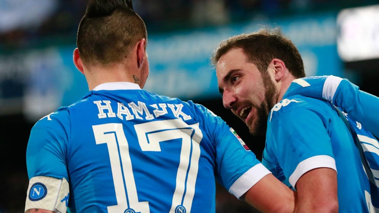 Marek Hamsik Gonzalo Higuain Napoli Sassuolo Serie A 16012016