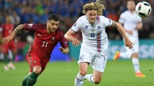 Vieirinha Birkir Bjarnason Portugal Iceland Euro 2016