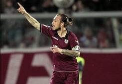 Paulinho celebrating Livorno Inter Serie A