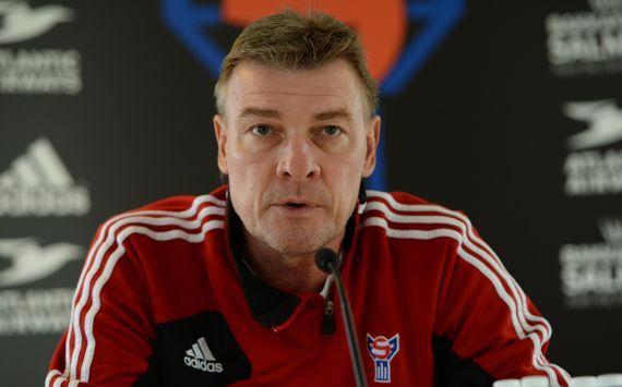 Färöer-Trainer Lars Olsen