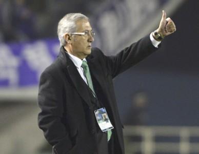 Beijing Guoan coach Gregorio Manzano