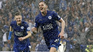 Andy King celebrates Leicester City Everton 07052016