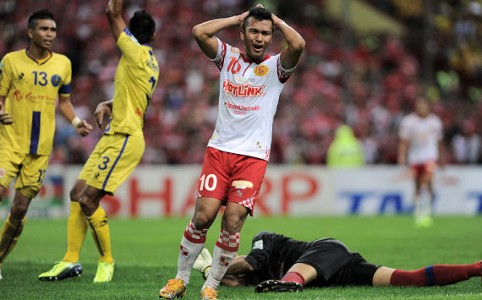 Kelantan vs Pahang - Norfarhan Muhammad - 11032013