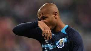 Man Utd winger hunt   Yacine Brahimi Porto
