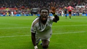 Bafetimbi Gomis Premier League Swansea v Manchester United 300815