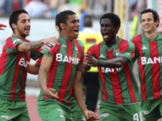 Maritimo striker Derley celebrates