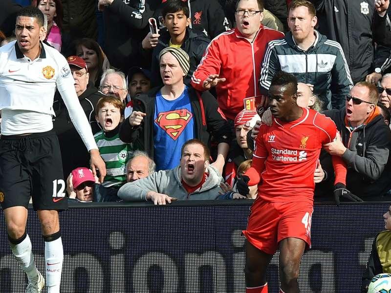 """Torcedor do Liverpool que segurou Balotelli fala sobre """"façanha"""""""