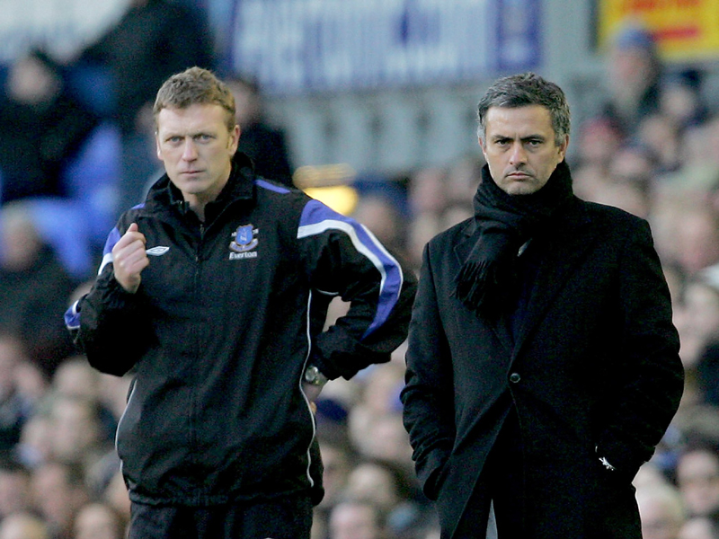 Jose Mourinho of Chelsea (R) and David Moyes of Everton
