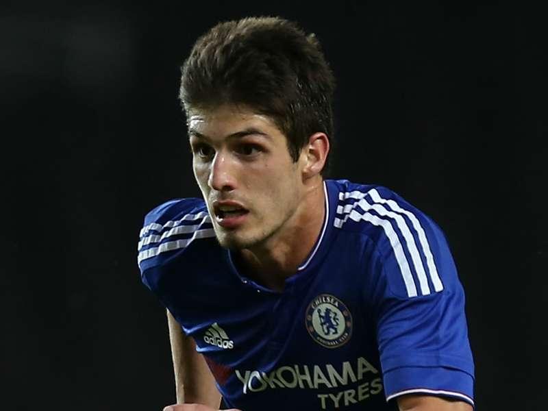 Cinco jogadores que o Chelsea poderia emprestar para o Brasil  7b20651da8225