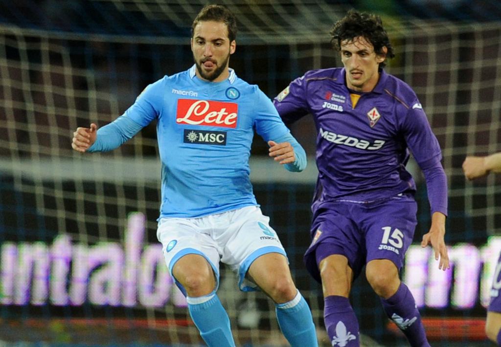 Gonzalo Higuain Stefan Savic Napoli Fiorentina 03232014