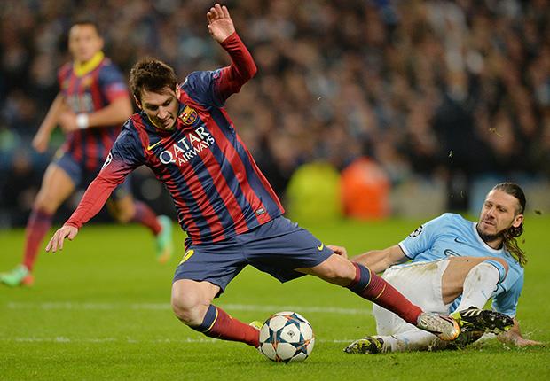 Lionel Messi Barcelona Demichelis Manchester City Champions League 02182014