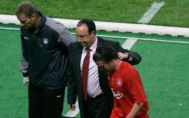 Harry Kewell Rafael Benitez AC Milan v Liverpool 2005 UEFA Champions League final
