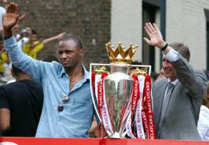 HD Patrick Vieira Arsene Wenger 2003-04