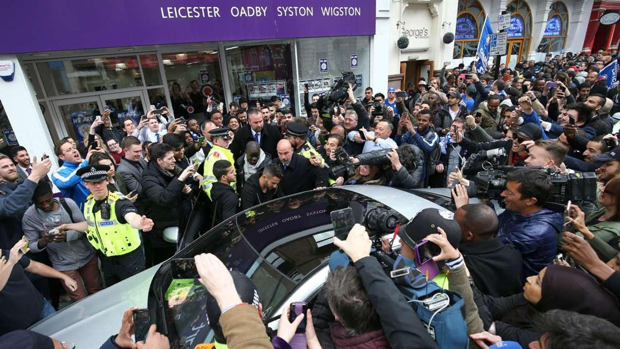 Leicester City players visit Italian restaurant