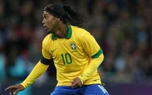 Ronaldinho Gaucho - England vs Brazil
