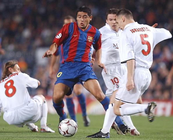 Juan Roman Riquelme Barcelona Vladimir Maminov Sergey Ignashevich Dmitry Loskov Lokomotiv Moscow UEFA Champions League 2002