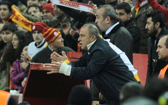 STSL: Galatasaray coach Fatih Terim is sent to the stands by the referee against Orduspor match