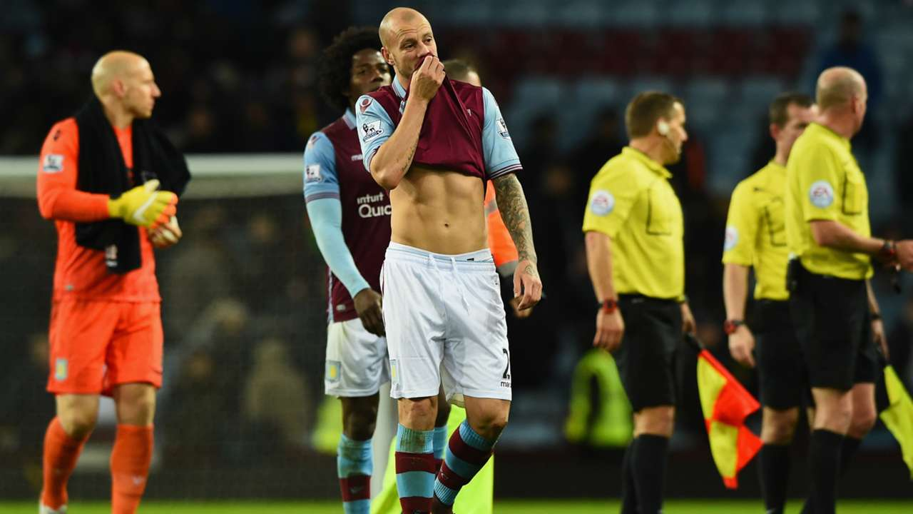 Alan Hutton Aston Villa Premier League