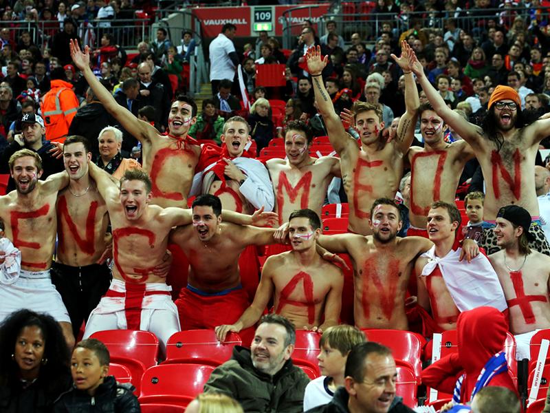 England Fans vs Montenegro 11102013