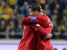 Raul Meireles  Cristiano Ronaldo Sweden vs Portugal FIFA 2014 World Cup playoff 11192013