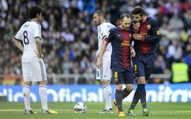 Kaká, Karim Benzema, Andrés Iniesta, Gerard Piqué Pepe, Lionel Messi - Real Madrid v Barcelona - Clasico