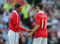 David Beckham (L) and Ryan Giggs
