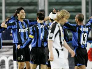 Julio Cruz Esteban Cambiasso Inter Juventus Serie A 03202005