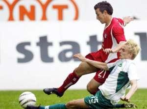 Michael Mifsud former player of Kaiserslautern against Tobias Rau